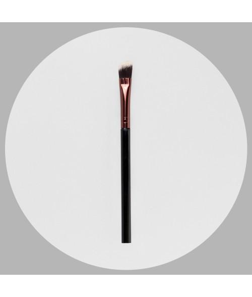 Cosmetic eye brushes 32